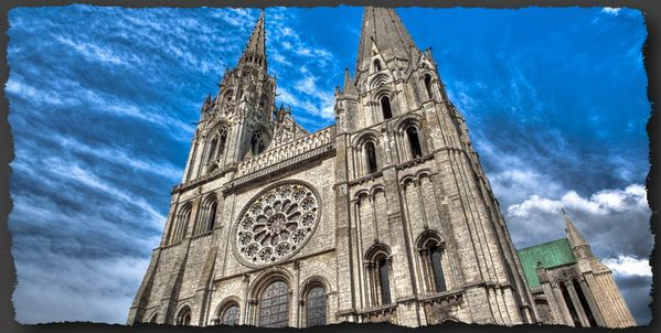 Notre-Dame-of-Chartres-cathedral-parousie.over-blog.fr.jpg