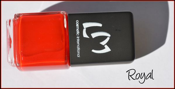 Vernis ongles rouge royal