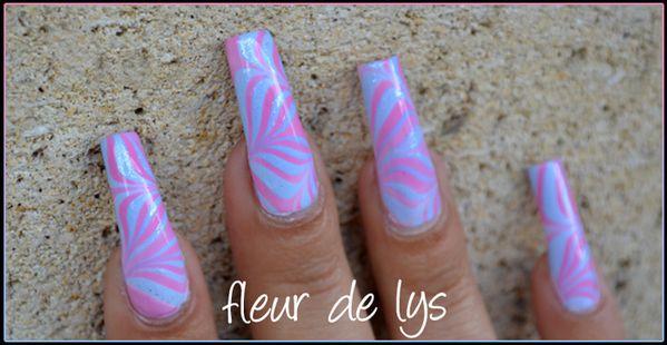 Nail art pastel Essie