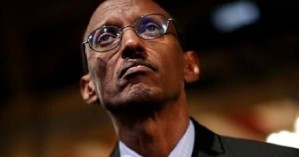 http://img.over-blog.com/600x315/2/23/08/90/IMAGES-suite/Photos-suite-3/Kagame-perdu-dans-ses-pensees.jpg