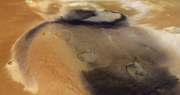 Becquerel_Crater_wind_blown_sediments--ESA.jpg