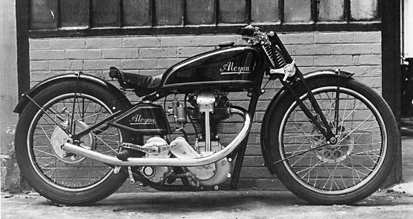 section Motos ..... - Page 7 Alcyon-ACT-1935870