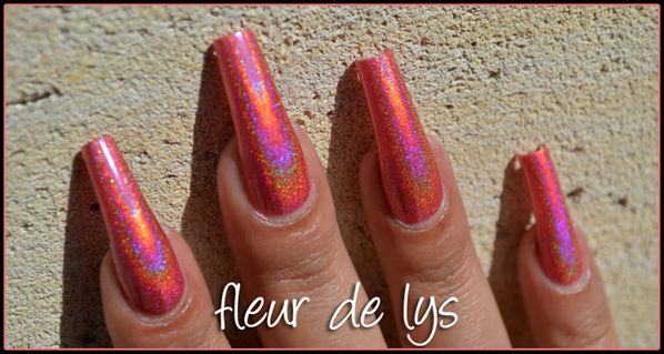 vernis rose holographique