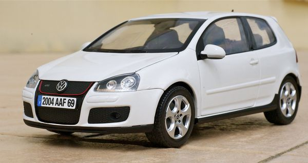 VW GOLF GTI COUPE BLANC NOREV28