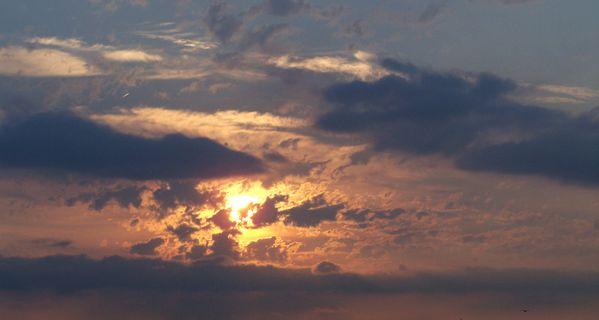 Dimanche-12-aout-2012---Lever-de-soleil-vu-du-balcon.jpg