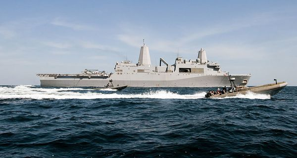 USS-New-Orleans-arabian-gulf-02-2012-photo-US-Navy.jpg