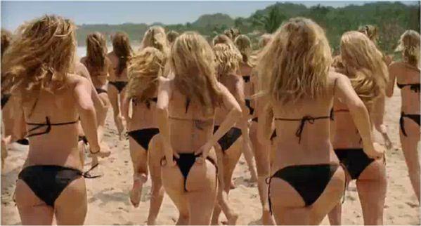 des femmes a la plage