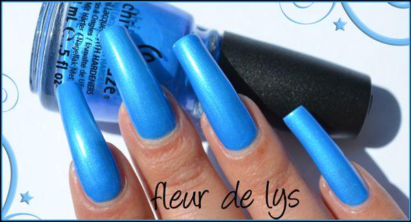 Vernis ongles bleu fluo