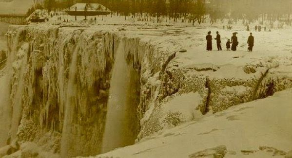 Frozen Niagara Falls, April 1909