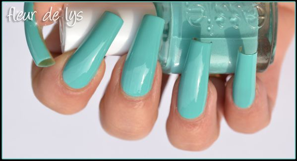 vernis ongles turquoise