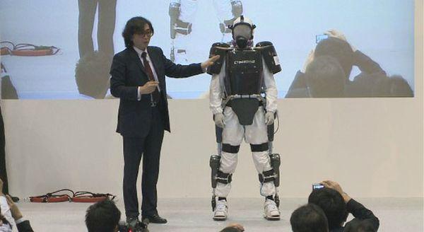 decouvrez-lexosquelette-robotique-qui-vous-protege-copie-2.jpg