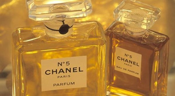 histoire de parfum chanel n 5 marilyn pour toujours. Black Bedroom Furniture Sets. Home Design Ideas