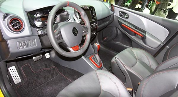Interieur-Clio-4-RS.jpg