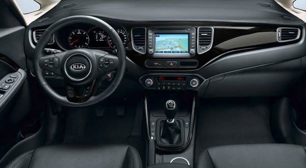 Interieur-KIA-Carens-2013.jpg