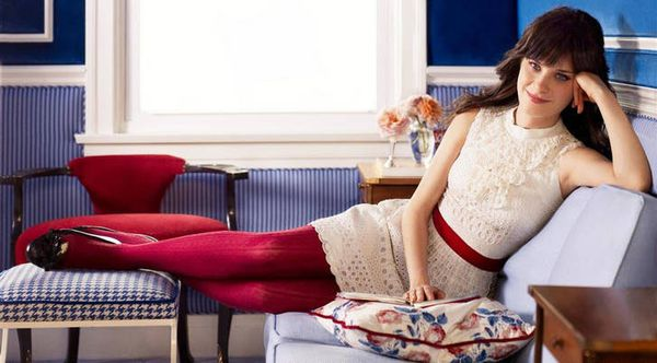 1352896250zooey_deschanel_red_wool_tights_pantyhose.jpg