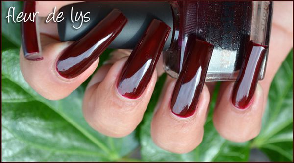 Picture Polish Vampire swatch