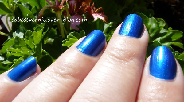 Swatch-Essie-Aruba-Blue-Detail.jpg