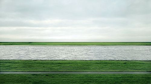 Rhein II.Andreas Gursky 1999 by courtesy of Matthe-copie-1