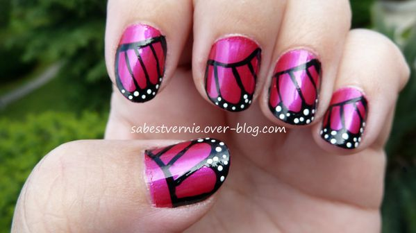 Nail-Art-papillon-rose.jpg