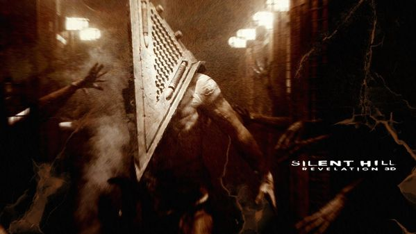 Silent_Hill_Revelation_wallpaper_Pyramid_Head.jpg
