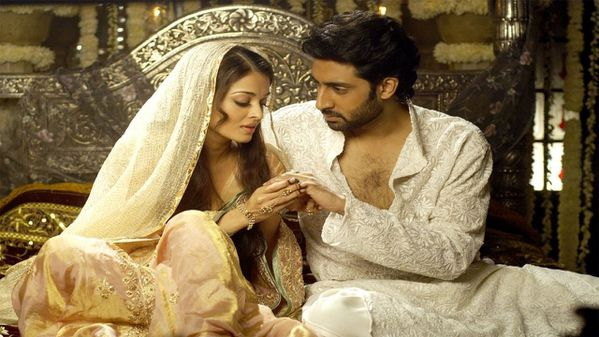 Aishwarya---Abhishek-in--Umrao-Jaan---Blog-Bollywo-copie-1.jpg