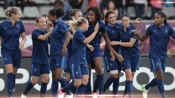 bleues-football-feminin.jpg