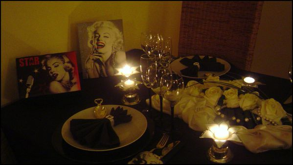 table marilyn monroe36