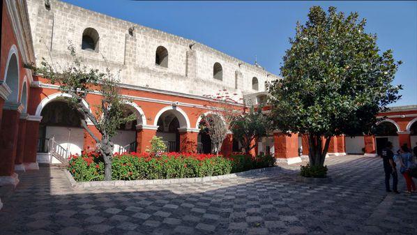 Arequipa-couvent-Santa-Catalina-cloitre-Majeur.jpg
