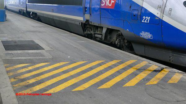 10gareStlazarec-avril2012--Francoise-Larouge.JPG