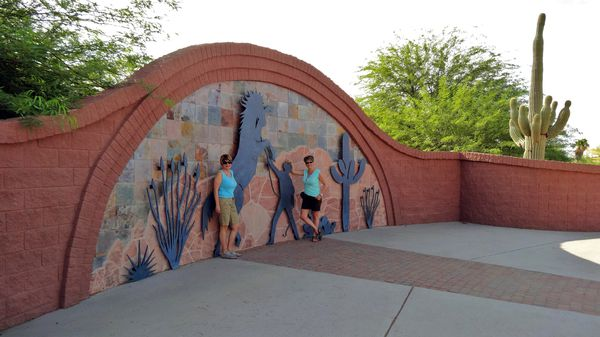 Apache Junction fresque nous