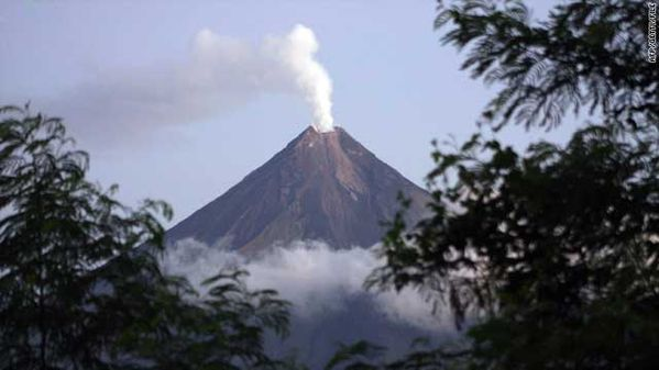 t1larg.philippines.volcano.mayon.afp.getty.file