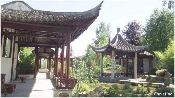 Pagodes en yvelines le blog de christine7478 for Jardin chinois yvelines