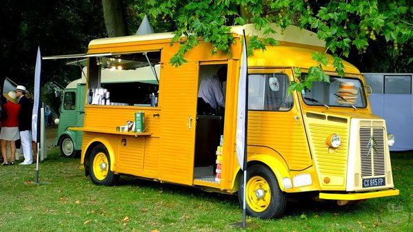 Chantilly-Art-et-Elegance--.-Citroen-Type-h-Food-truck.jpg
