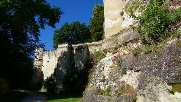2132 Les remparts, 1010-1035 Foulques Nera, Loches