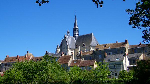 2214 La collégiale St Jean Baptiste, Montrésor