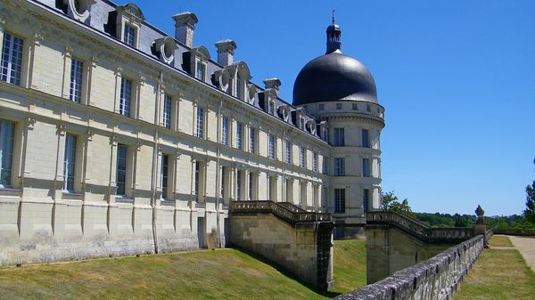 2272 West façade and South tower, Château de Valençay