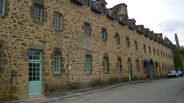 2329 Ancien couvent des bénédictines, Lassay-les-Château