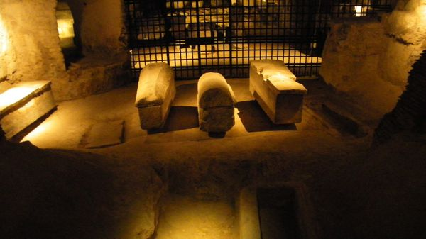 109 Ancient Crypt, Saint Denis Basilica, St-Denis