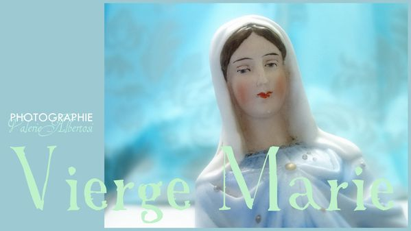 La Vierge Marie biscuit polychrome