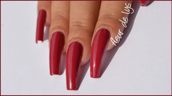 Vernis ongles rouge 2