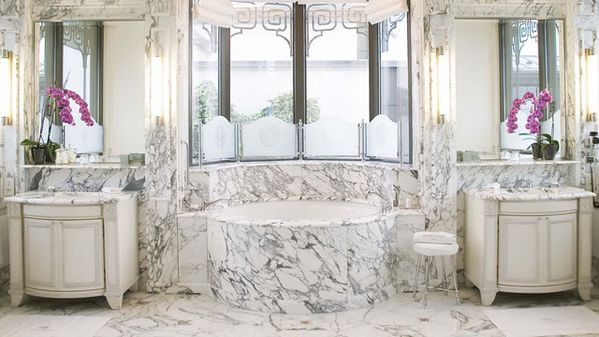 002837-04-white-marble-bathroom-vanity