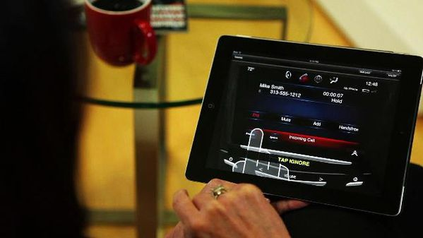 cadillac-CUE-iPad-Application.jpg