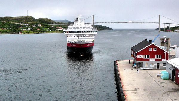 Norvege-2-2NSandnessjoen-Rorvik-Torghatten-P1110537--70-.JPG