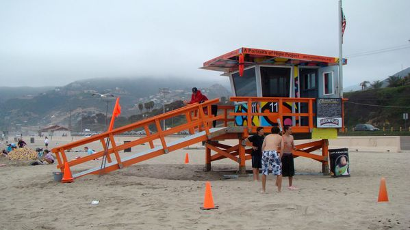 poste-de-sauvetage-a-malibu-la.jpg