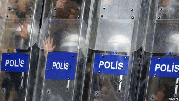 3-POLICE FASCISTE TURQUE