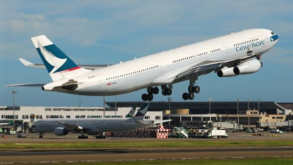 cathay-pacific-a340-300-takeoff.JPG