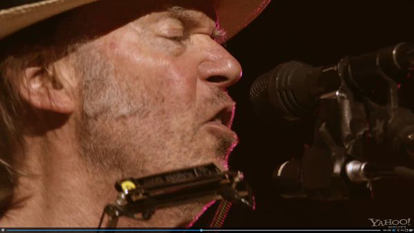 Neil-Young-Journeys-photo-2.jpg