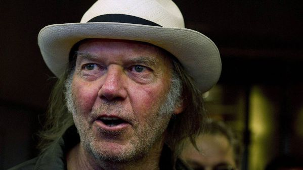 Neil-Young-Journeys-photo-3.jpg