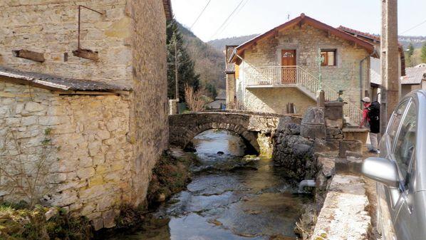 Cerdon pont quartier la Suisse