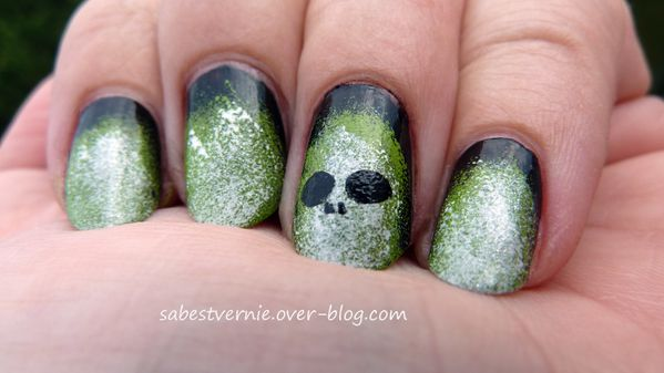 Nail-art-surnaturel.jpg